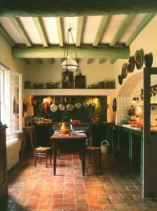 La cuisine a conservé sa convivialité et son charme