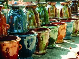 Vases décoratifs empilés