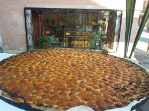 Plus grande tarte à l'abricot du monde