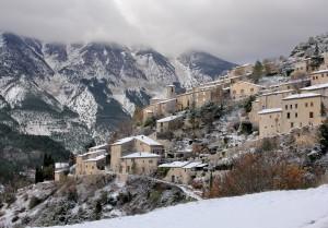Village de Provence sous la neige