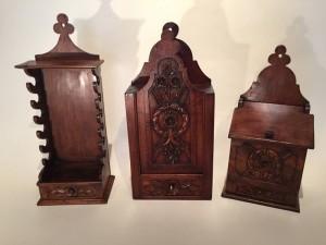 Petit mobilier provençal : Serie de boites en noyer Provence