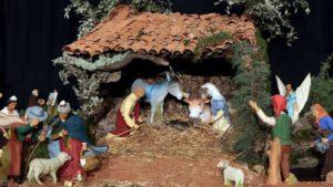 Crèche provençale traditionnelle : La nativité