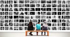 Personnaliser la déco de ta maison avec des photos (mur de photos)